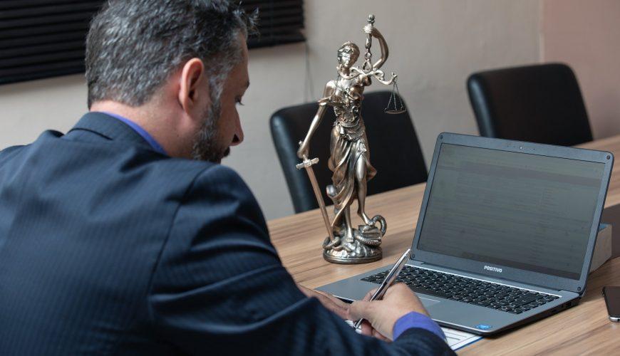 Processo contra Unimed: advogado especialista